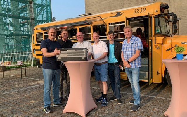 Burger-Bus der TG Reserve hilft bei Flutopfern mit Essenspende